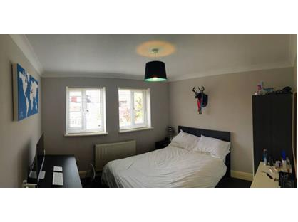 Room in a Shared House, Forest Road, E11