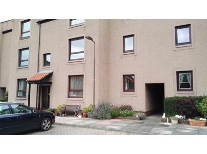 2 Bed Flat, Parsonage, EH21