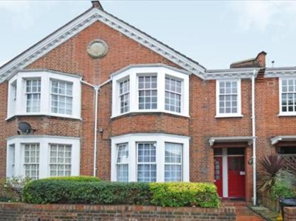 3 Bed Flat, Swaby Road, SW18
