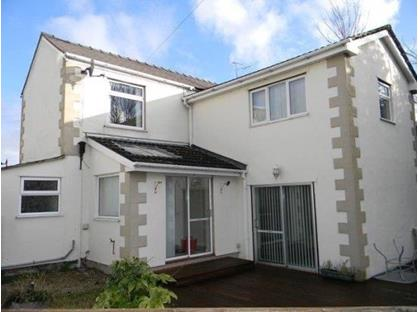 3 Bed Detached House, Gutter Hill, LL14