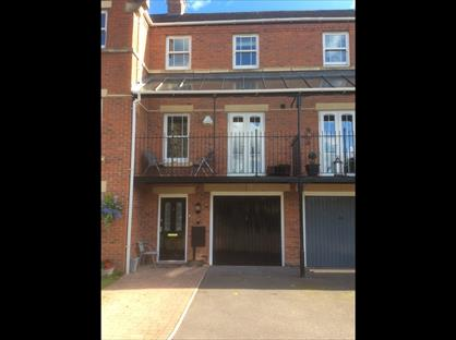 4 Bed Terraced House, St Laurence Gdns, DE56