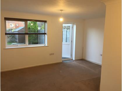 2 Bed Terraced House, Eeklo Place, RG14