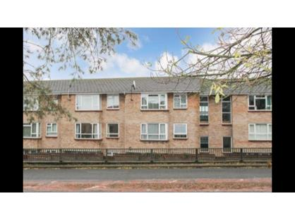 1 Bed Flat, Rosebery Way, HP23