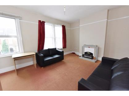 1 Bed Flat, Selkirk Road, SW17