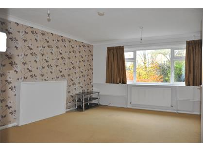 2 Bed Maisonette, The Greenway, UB10