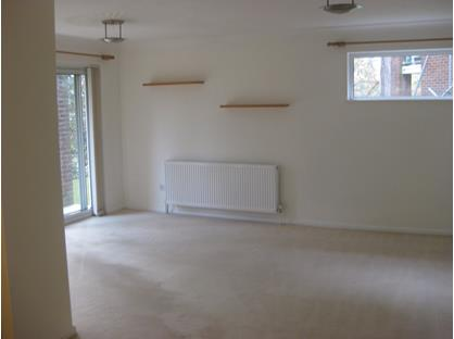 2 Bed Flat, The Cheviots, BH14