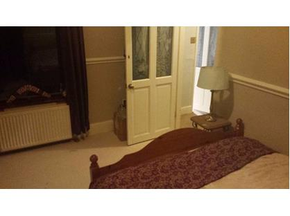 Room in a Shared House, Cross Street, M41