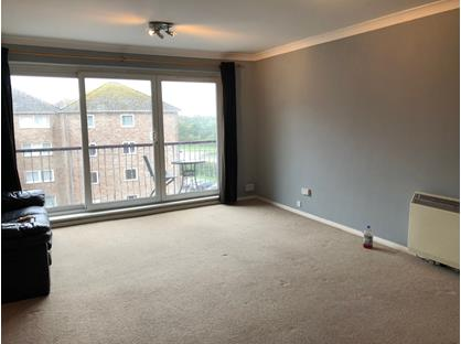 2 Bed Flat, Whitecliffe Court, PO12