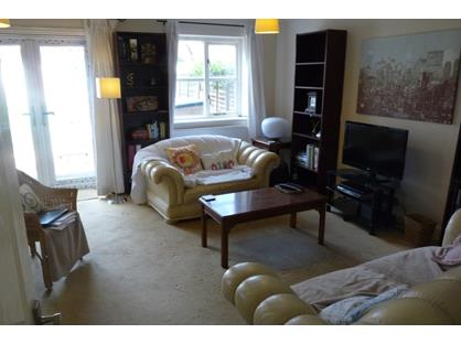 Room in a Shared House, Darwin Road, W5