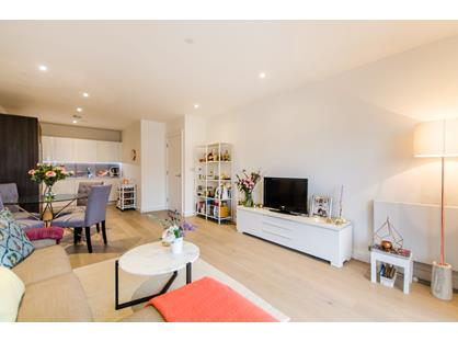 2 Bed Flat, River Gardens Walk, SE10