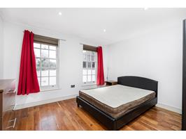 Large Double Bedroom 3