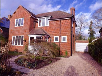 3 Bed Detached House, Holm Close, KT15