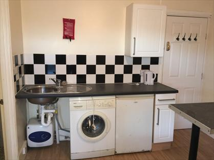 Studio Flat, Wellington Road, WV14