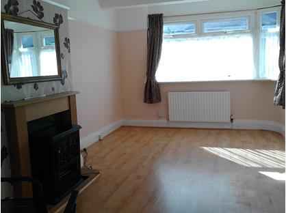 3 Bed Semi-Detached House, Fairway North, CH62