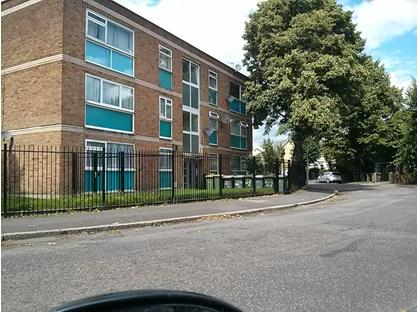 2 Bed Flat, Idmiston Road, E15