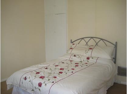 Room in a Shared House, Camborne Terrace, RM3