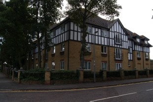 Southend-On-Sea - 2 Bed Flat, Lady Hamilton Court, SS1 - To