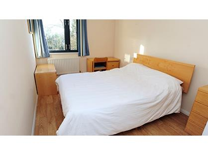 Room in a Shared Flat, Great Loacation For City Workers, E1