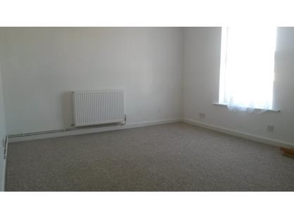 1 Bed Flat, Weeks Road, PO33