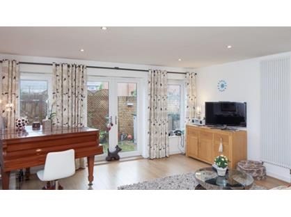 2 Bed Flat, Station Road, HP9