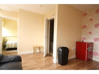 Studio Flat, Woodhouse Street, ST4