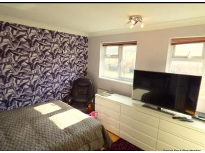 Room in a Shared Flat, Redcroft Road, UB1