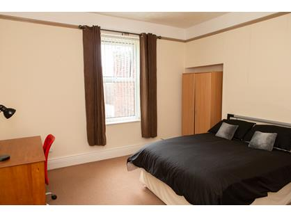 Room in a Shared House, Baring Street, NE33
