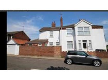 3 Bed End Terrace, Pavilion Road, NR31
