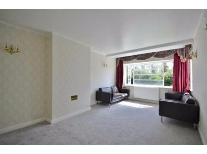 2 Bed Flat, Monarch Court, N2