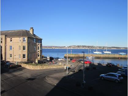2 Bed Flat, Catherine Place, DD6