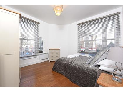 Room in a Shared Flat, Falcon Road, SW11
