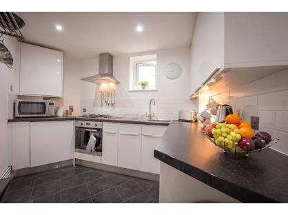 2 Bed Terraced House, Co-Operative Street, CF41