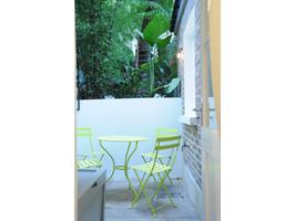 Rear Patio Garden With Table & Chairs