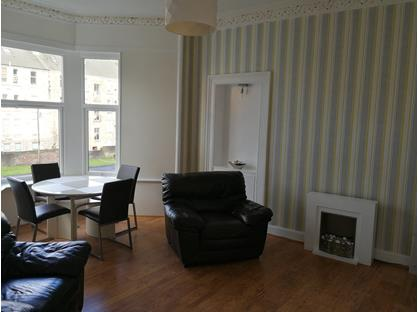 1 Bed Flat, Glen Avenue, PA14
