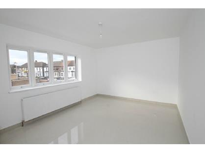 2 Bed Flat, Center Of Grays, RM17