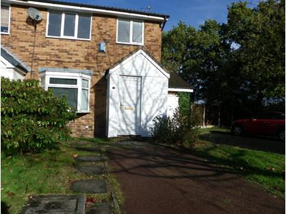 3 Bed Semi-Detached House, Gorsefield Hey, SK9