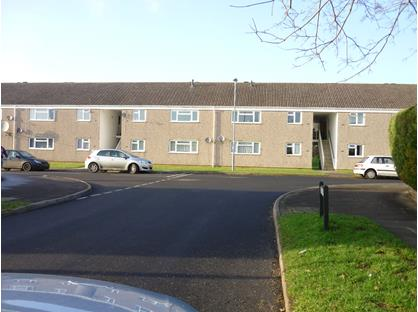 2 Bed Flat, Littlefield, DT9
