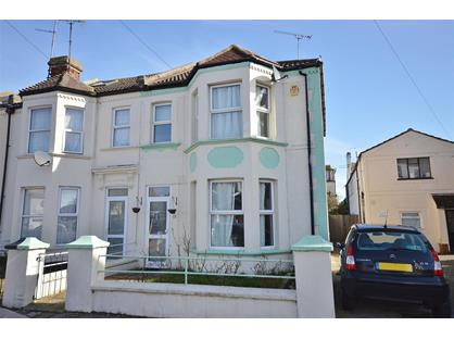 4 Bed Terraced House, Beach Road, CO15