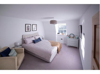 Room in a Shared House, Weybridge, KT13
