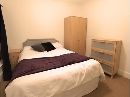 Room in a Shared House, Queens Road, TW20