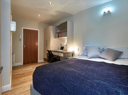 Studio Flat, Blackfriars Road, M3