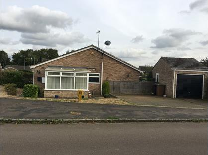 2 Bed Bungalow, Central Avenue, NN11