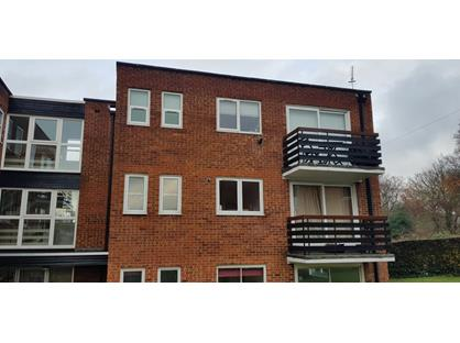 2 Bed Flat, Parkmore Close, IG8