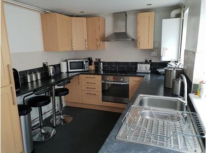 3 Bed Terraced House, High Street, CF39