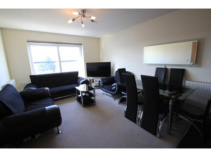 2 Bed Flat, High Street Yiewsley, UB7