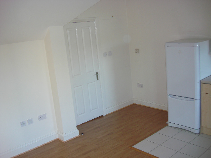 Bed Property To Rent In Hampton Tw
