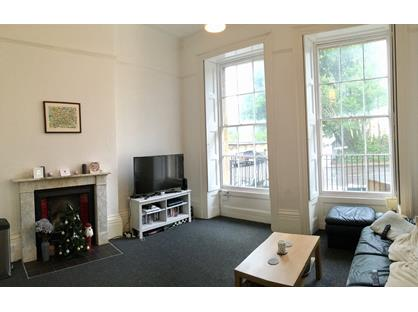 2 Bed Flat, Caledonia Place, BS8