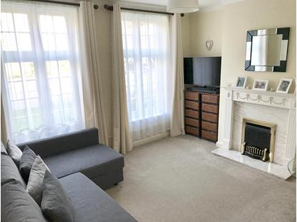 2 Bed Flat, Portsmouth Road, KT7