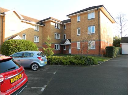 1 Bed Flat, Masefield Gardens, RG45