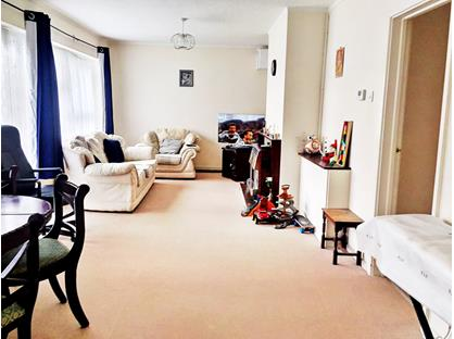2 Bed Flat, Hutton Road, CM15